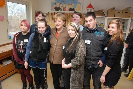 172_Angela-Merkel-in-Berlin-25_lightbox